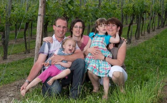 Familienfotografie in Winterthur auf einem Weingut